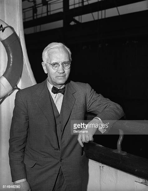 Sir Alexander Fleming British medical authority and discoverer of penicillin arrives aboard the Queen Mary March 21 The vessel was delayed two days...