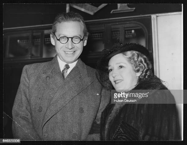 Sir Alexander Korda Hungarianborn British film producer and Mary Pickford Canadian actress April 6 1938
