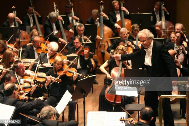 """Sir Colin Davis conducting London Symphony Orchestra in Sibelius's """"Kullervo"""" at Avery Fisher Hall on Friday night, September 30, 2005."""