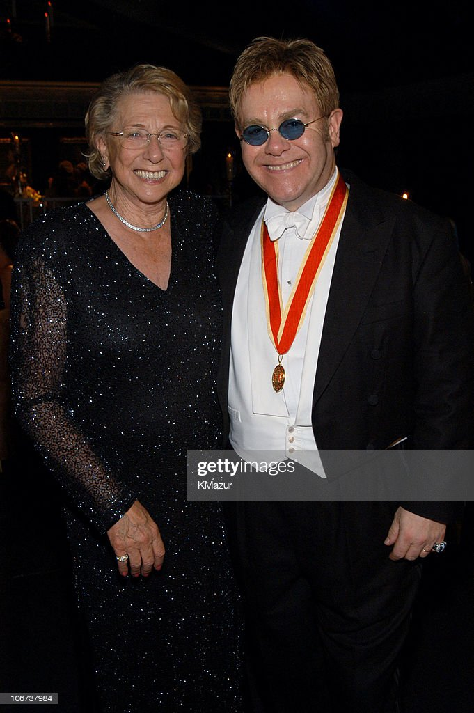 The Fifth Annual White Tie & Tiara Ball to Benefit the Elton John Aids Foundation in Association with Chopard - Dinner : News Photo