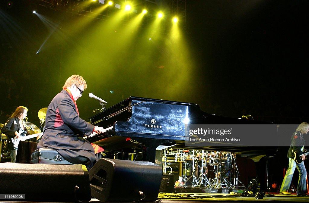 Sir Elton John in Concert - Paris : News Photo