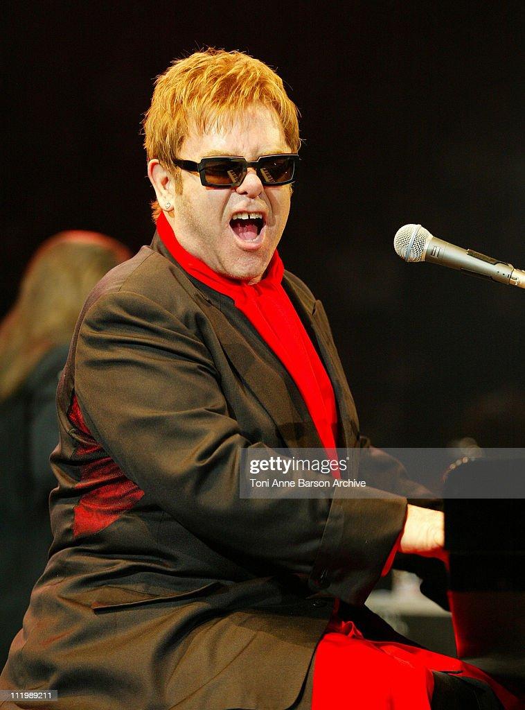 Sir Elton John in Concert - Paris : Nachrichtenfoto
