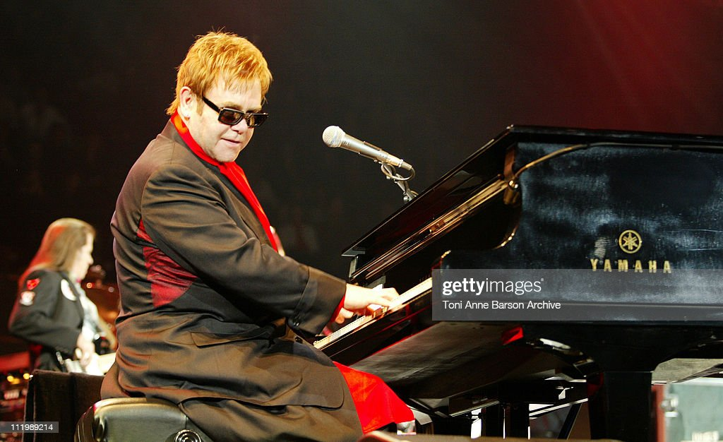 Sir Elton John in Concert - Paris : News Photo