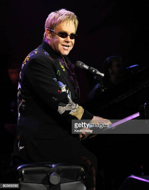 NEW YORK APRIL 08 Sir Elton John performs at the Waldorf Astoria during The Breast Cancer Research Foundation's Hottest Pink Party Ever 2008 on April...
