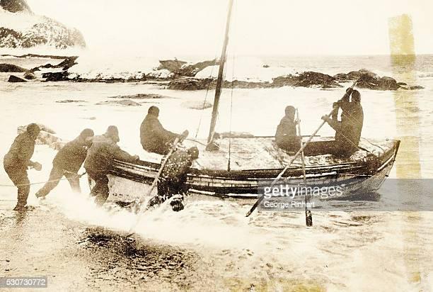 Sir Ernest Shackleton Antarctic Expedition crew Shackleton Worsley Crean McNeish Vincent McCarthy leaving Elephant Island