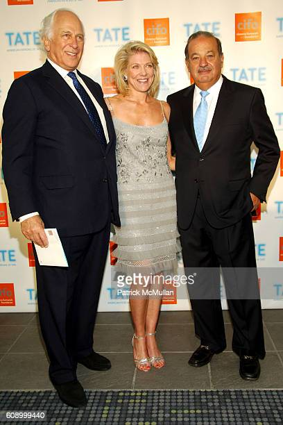 Sir Evelyn de Rothschild, Lady Lynn de Rothschild and Carlos Slim Helœ attend American Patrons of the Tate Artists Dinner at Riverfront Pavilion on...