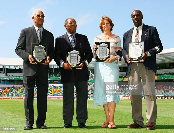 Sir Garfield Sobers Sir Everton Weekes Kathryn Ward and Denis Depeiaza receive awards as West Indies cricket record holders during the ICC Cricket...