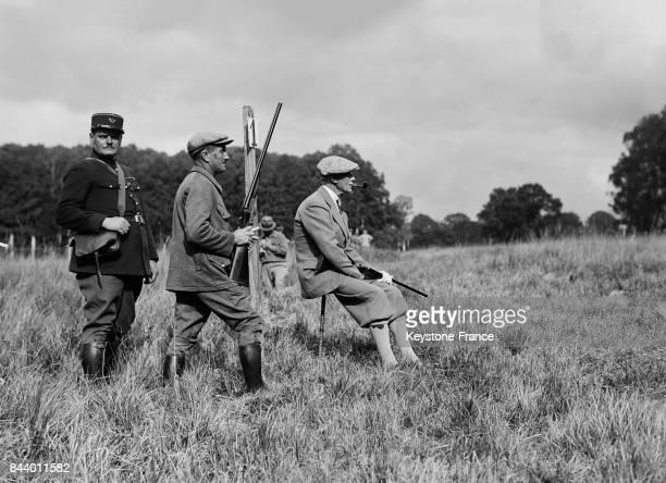 Sir George Clerck, ambassadeur de Grand-Bretagne à la chasse dans la forêt de Rambouillet, France le 16 octobre 1935.