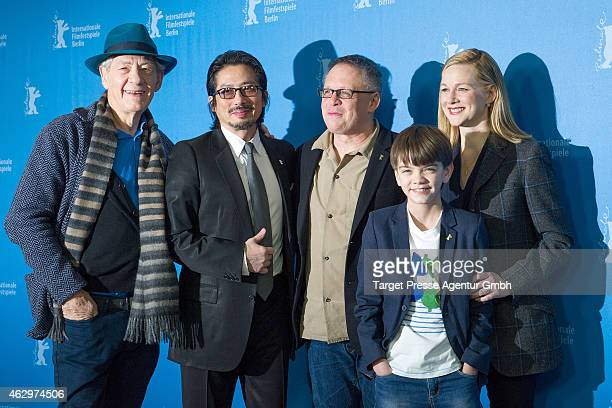 Sir Ian McKellen Hiroyuki Sanada Bill Condon Milo Parker and Laura Linney attend the 'Mr Holmes' photocall during the 65th Berlinale International...