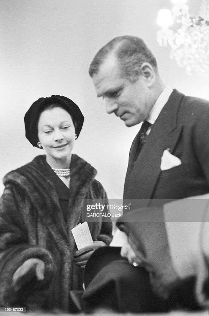 Sir Laurence Olivier And Vivien Leigh On Holiday In Paris