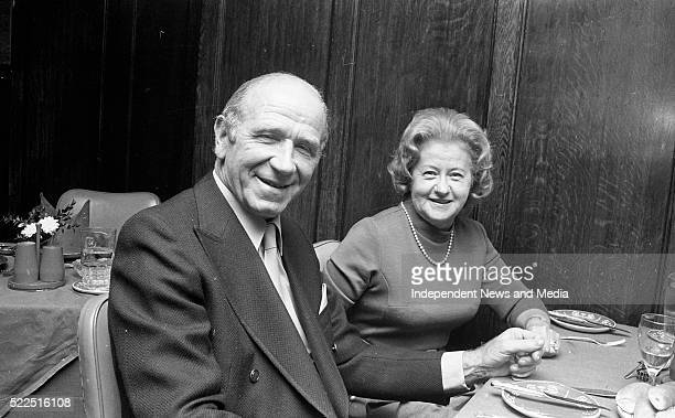 Sir Matt Busby and his wife Jean at Jury's Hotel 1071886