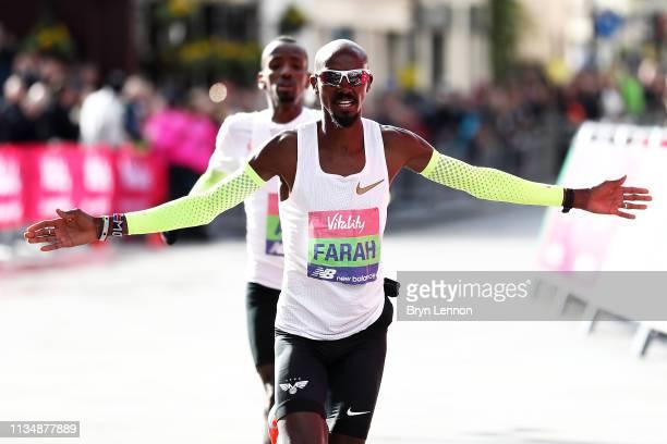 Sir Mo Farah of Great Britain celebrates winning the men's Vitality Big Half on March 10, 2019 in London, England.