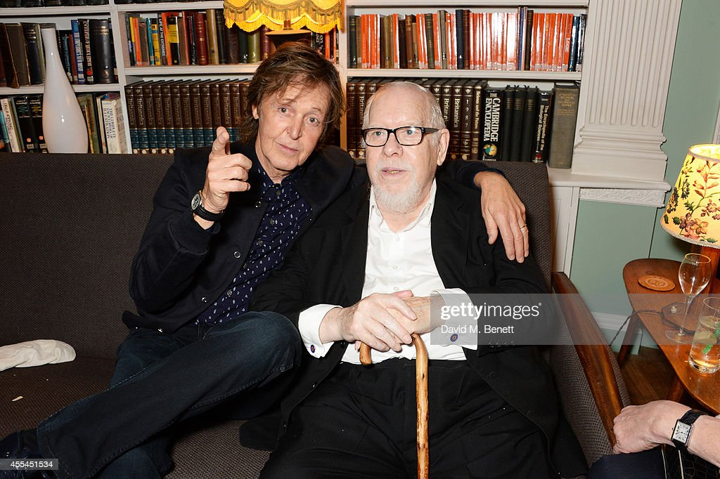 Sir Paul McCartney (L) and Sir Peter Blake attend The London 2014 Stella McCartney Green Carpet Collection during London Fashion Week at The Royal British Institute on September 14, 2014 in London, England.