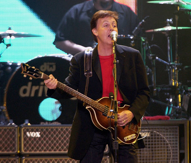 Paul McCartney Driving USA Tour 2002 At Madison Square