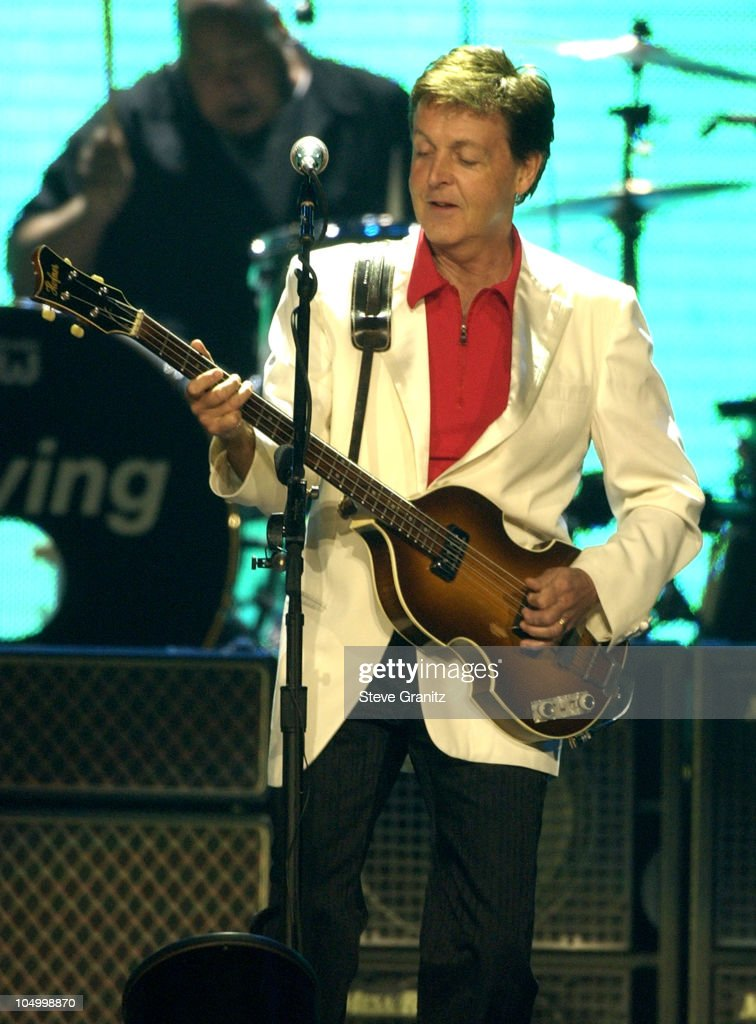 Sir Paul McCartney During Driving USA Tour 2002 At The Anaheim Pond Ananheim