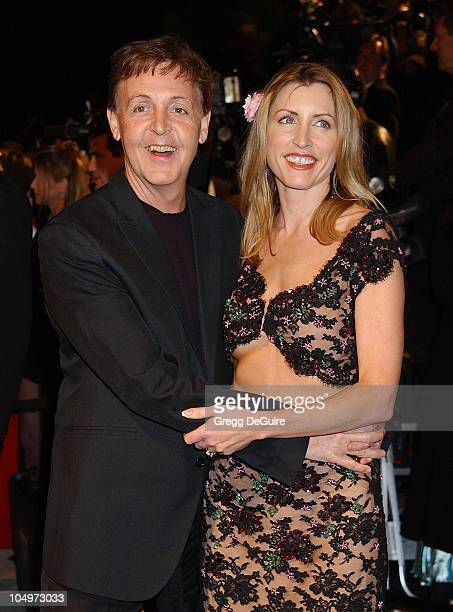 Sir Paul McCartney Heather Mills during 2002 Vanity Fair Oscar Party Hosted by Graydon Carter Arrivals at Morton's Restaurant in Beverly Hills...