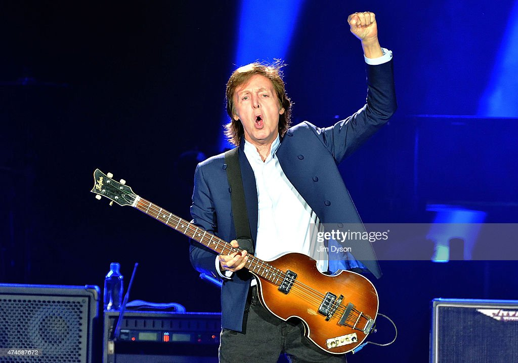 Paul McCartney Performs At O2 Arena In London : News Photo