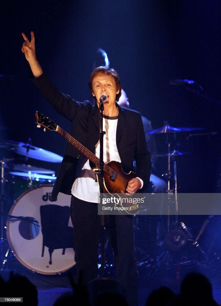 Sir Paul McCartney Plays At iTunes Festival : News Photo