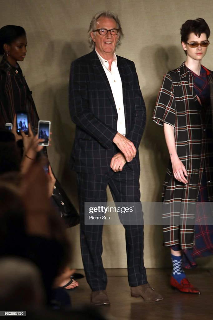 Paul Smith: Runway - Paris Fashion Week - Menswear Spring/Summer 2019