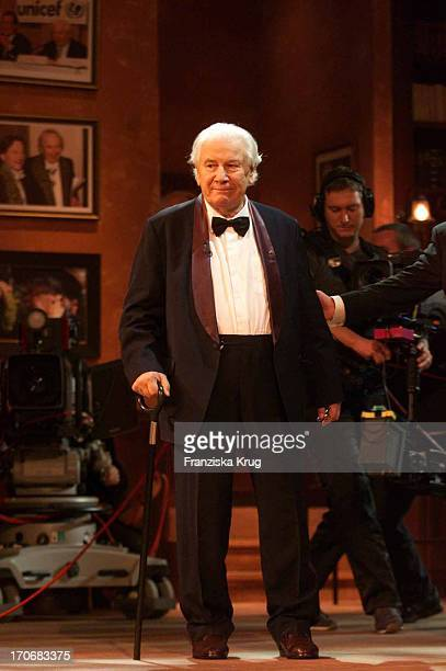 "Sir Peter Ustinov Auf Der Bühne Bei ""Sir Peter Ustinov Geburtstags Gala"" Im Zdf"