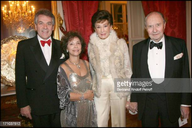 Sir Peter Westmacott Ambassadeur De Grande Bretagne and wife Comte and Comtesse De Ribes at The Traditional Christmas Dinner At The British Embassy...
