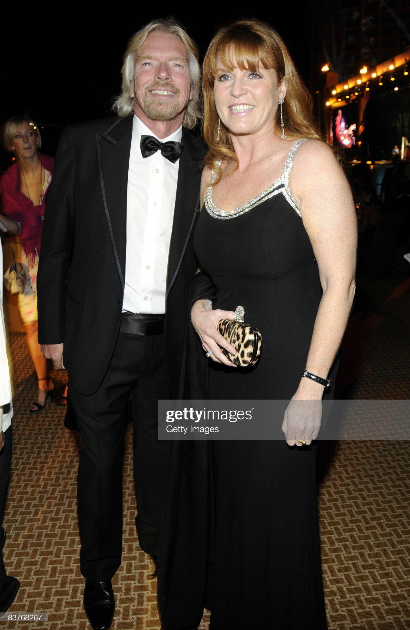 Вечерние наряды Отем пока еще Филлипс и Сары Йоркской Dinner - Grand Opening of Atlantis, The Palm : News Photo