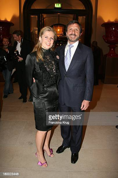 Sir Rocco Forte Und Ehefrau Aliai Bei Der Eröffnung Des Hotel De Rome In Berlin