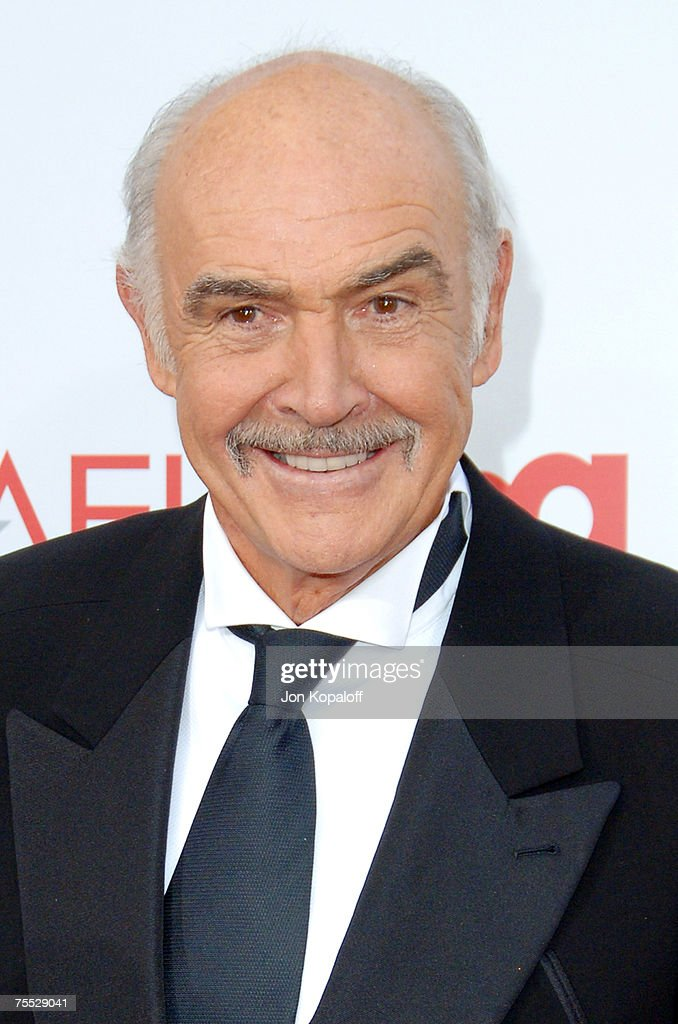 Sir Sean Connery at the 34th Annual AFI Lifetime Achievement Award: A Tribute to Sean Connery - Arrivals at Kodak Theatre in Hollywood, California.