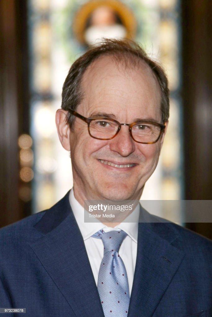 S..E. Sir Sebastian Wood, ambassador of Great Britan and North Irland visits the town hall on June 13, 2018 in Hamburg, Germany.