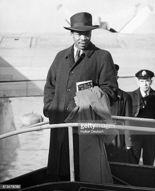 Sir Setetse Khama the African politician boards the plane Salcombe at Southampton to return home He studied in England and in 1966 became President...