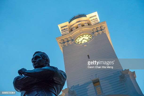 Sir Stamford Raffles and Singapore Victoria Theatre & Victoria Concert Hall