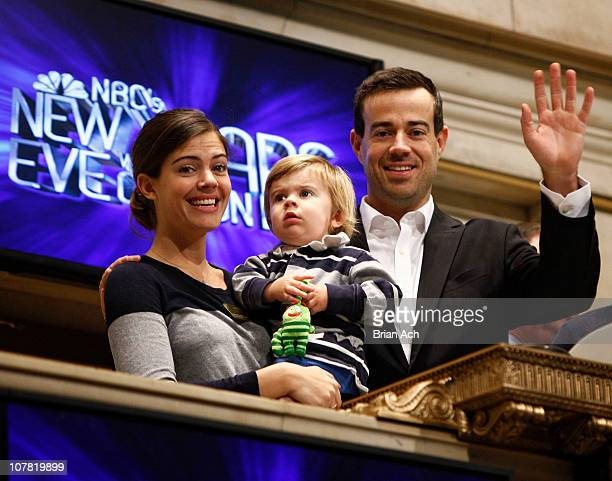 Siri Pinter Jackson James and television personality Carson Daly ring the opening bell at The New York Stock Exchange on December 30 2010 in New York...
