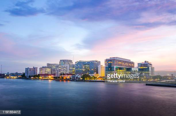 siriraj hospital - siriraj hospital stock pictures, royalty-free photos & images