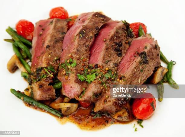 サーロインステーキのフレンチ豆チェリートマト