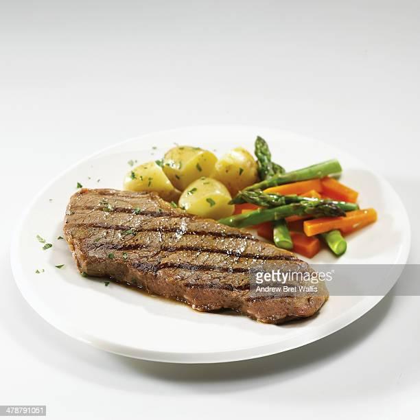 Sirloin steak with mixed fresh vegetables