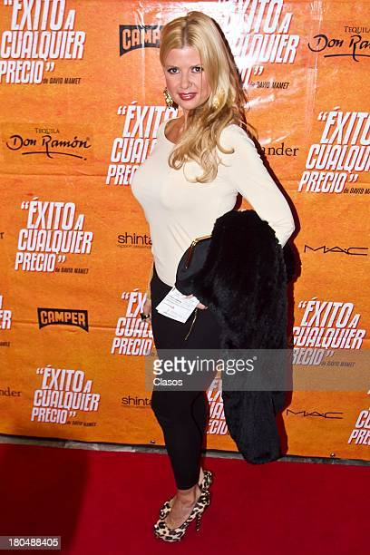 Sisi Fleitas poses during the Red Carpet for the Premiere of the theatre play Exito a Cualquier Precio at Ignacio Lopez Tarso Theatre on September 12...