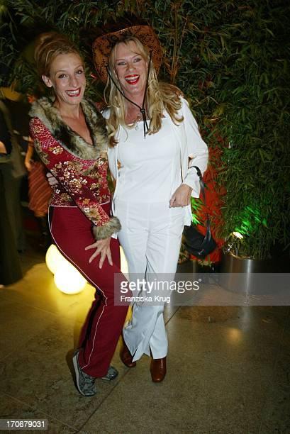 Sissi Perlinger Und Lisa Fitz Beim Bmg Medientreff In München