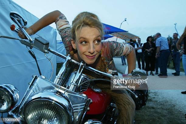 Sissy Perlinger Bei W Fiereks 4 Internationalem Harley Davidson Treffen In ErbachRingingen Am 160803