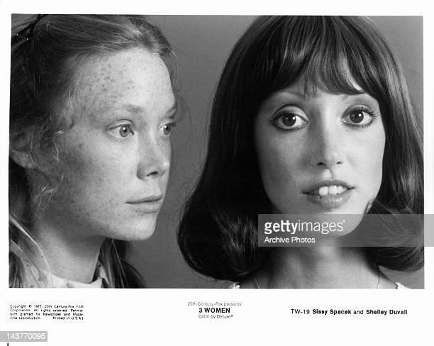 Sissy Spacek beside Shelley Duvall in a scene from the film '3 Women', 1977.