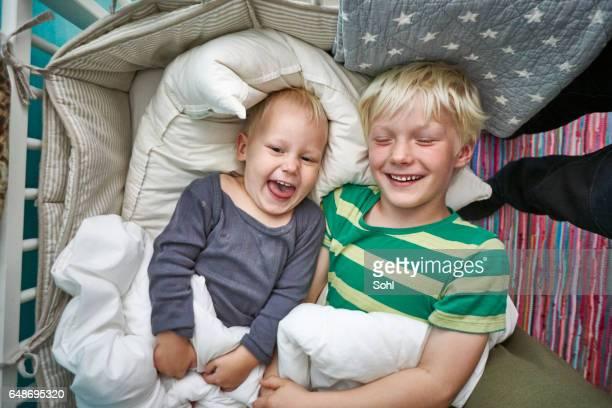 Schwester und Bruder