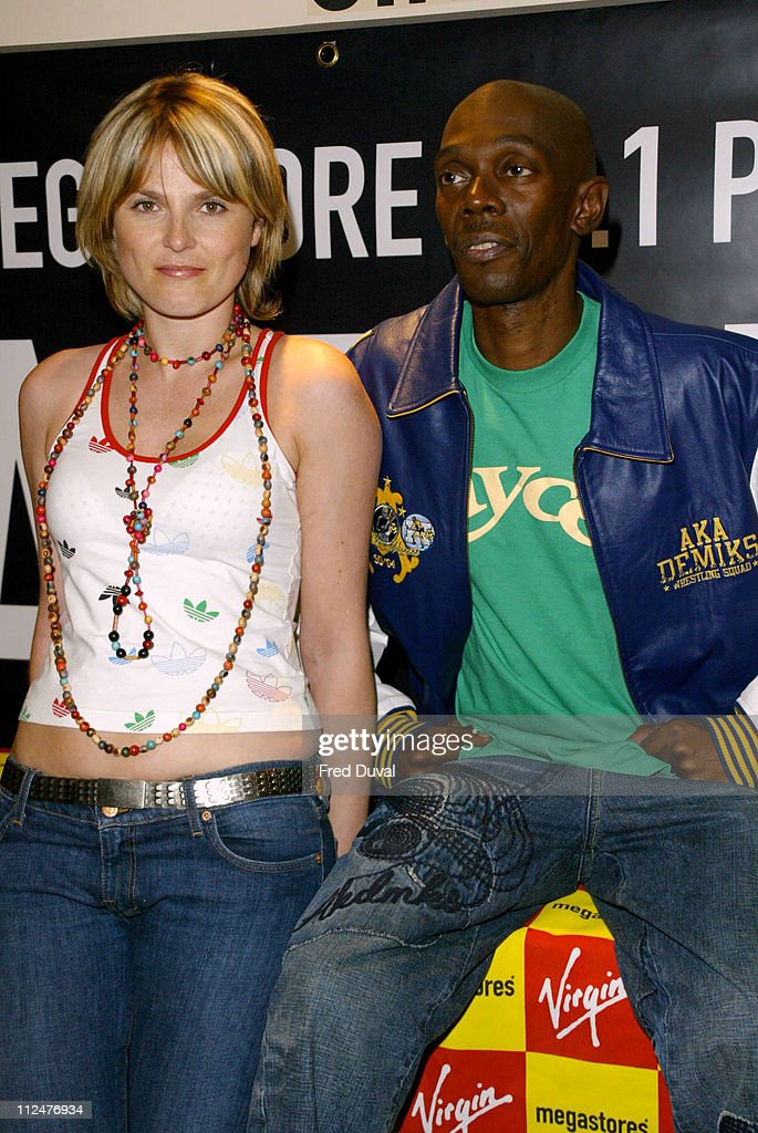 "Faithless Signs Copies of their New Single ""I Want More"" - August 23, 2004"