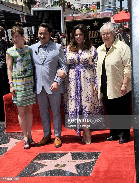 Sister Margie McCarthy actor/husband Ben Falcone actress Melissa McCarthy and mother Sandra McCarthy at the Star ceremony of Melissa McCarthy On The...