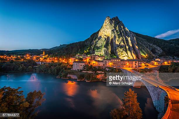 sisteron france - sisteron stock pictures, royalty-free photos & images