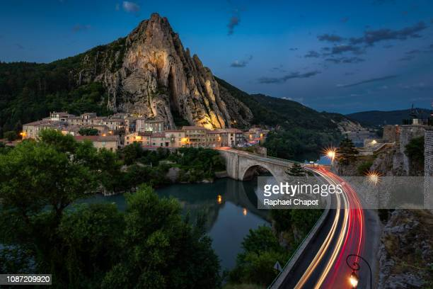 sisteron village, france - sisteron stock pictures, royalty-free photos & images