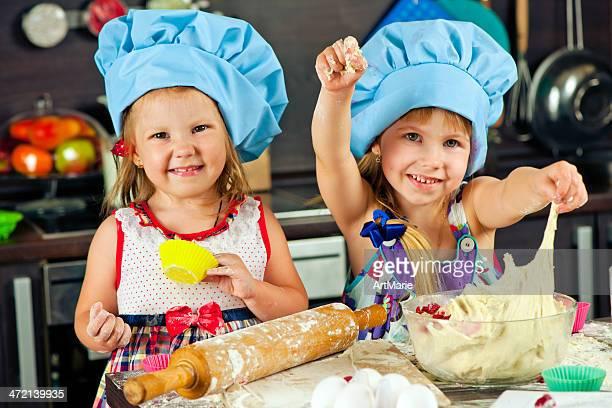 Hermanas en la cocina