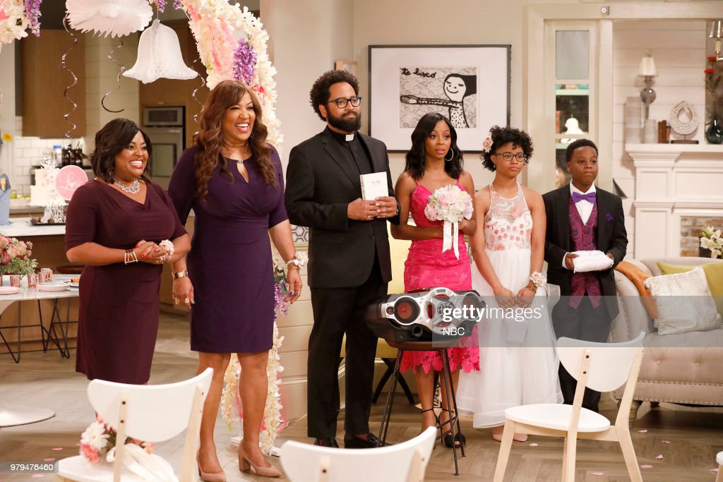 MARLON -- 'Sisters' Episode 202 -- Pictured: (l-r) Sherri Shepherd as Lenora, Kym Whitley as Lovie, Diallo Riddle as Stevie, Bresha Webb as Yvette, Notlim Taylor as Marley Wayne, Amir O'Neil as Zack Wayne --