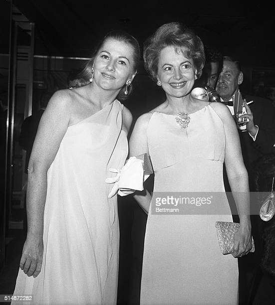 Sisters Joan Fontaine and Olivia DeHavilland at a party for the premiere of a onewoman show of Marlene Dietrich's on Broadway