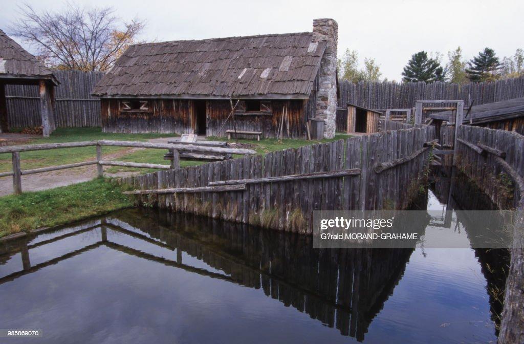La mission de Sainte-Marie-au-Pays-des-Hurons en Ontario Pictures ...