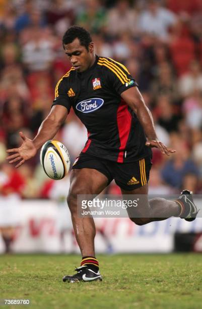 Sitiveni Sivivatu of the Chiefs in action during the round eight Super 14 match between the Reds and the Chiefs at Suncorp Stadium on March 24, 2007...