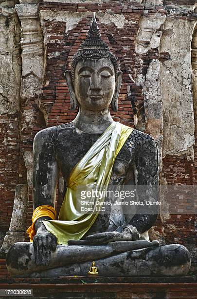 sitting buddha - damlo does stock pictures, royalty-free photos & images